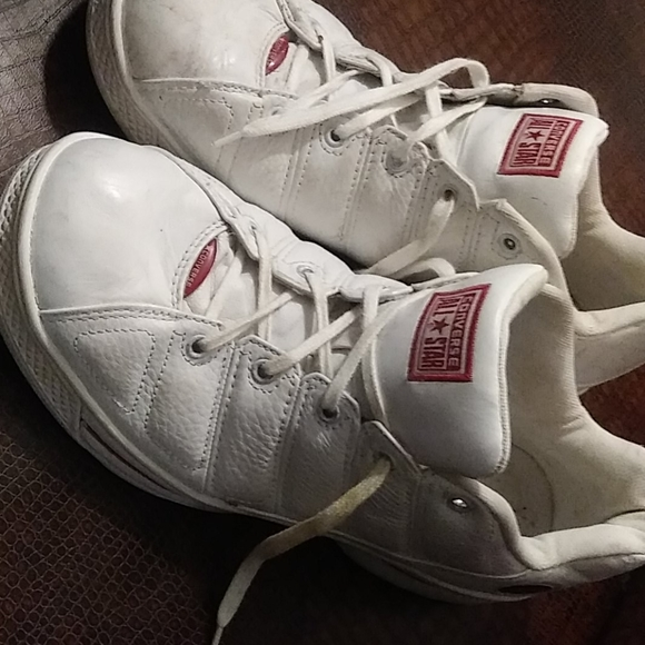 Vintage White Leather Converse Shoes 10